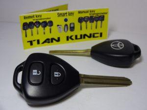 duplikat kunci mobil toyota yaris