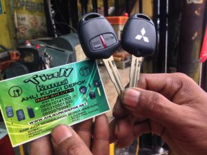 duplikat kunci mobil pajero