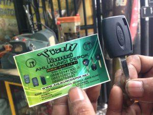 duplikat kunci mobil ford fiesta