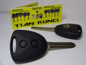 duplikat kunci mobil avanza